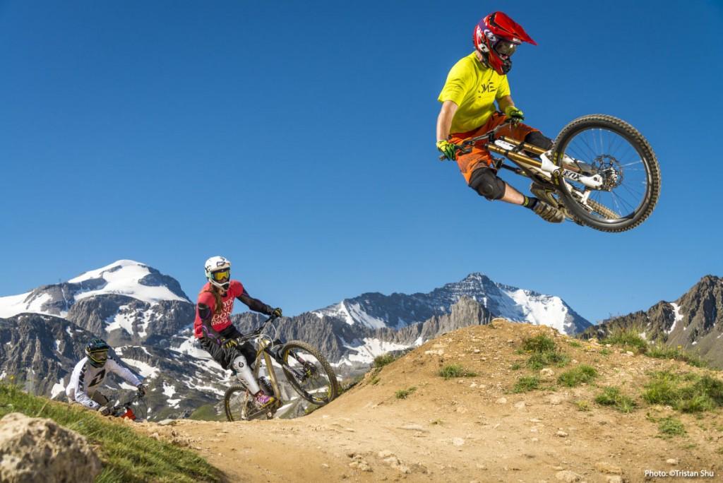 mountain bike jumping