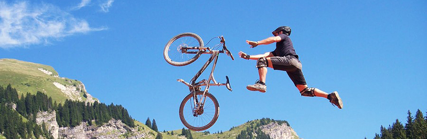 How-to-jump-over-obstacles-in-mountain-biking-1