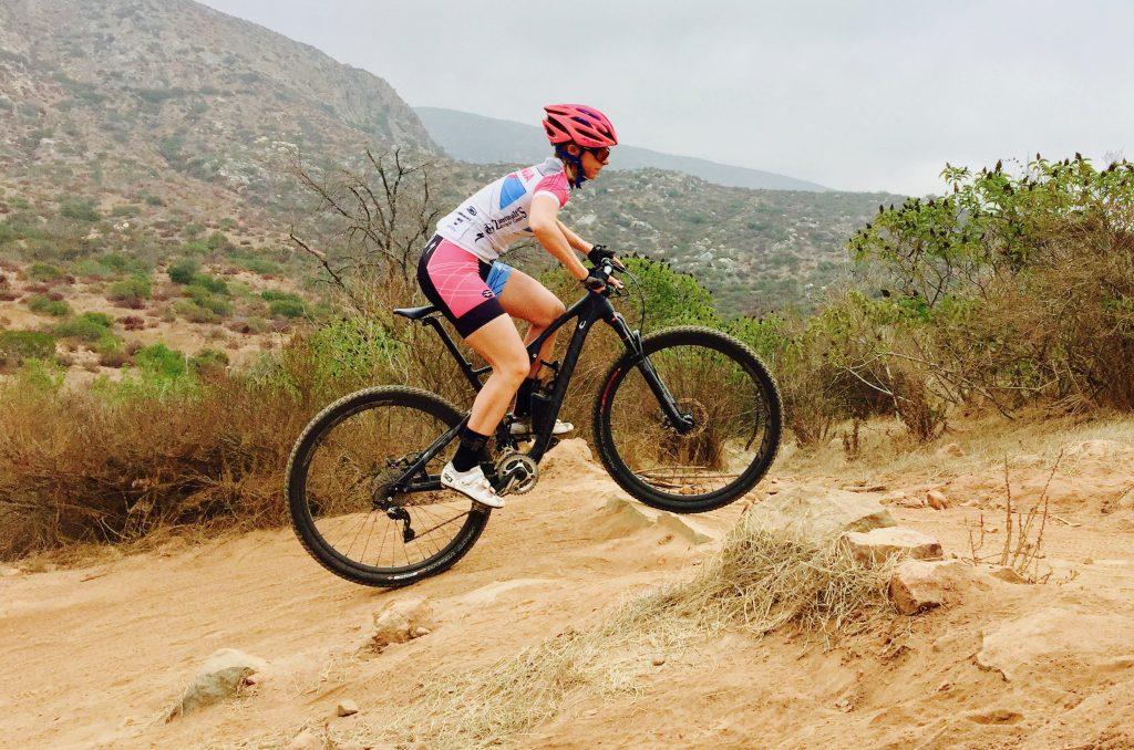 crouch_climb_mountain_bike