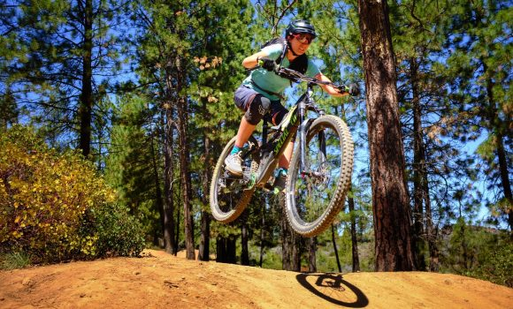 [WATCH] Ninja Celebrates Women's MTB Day